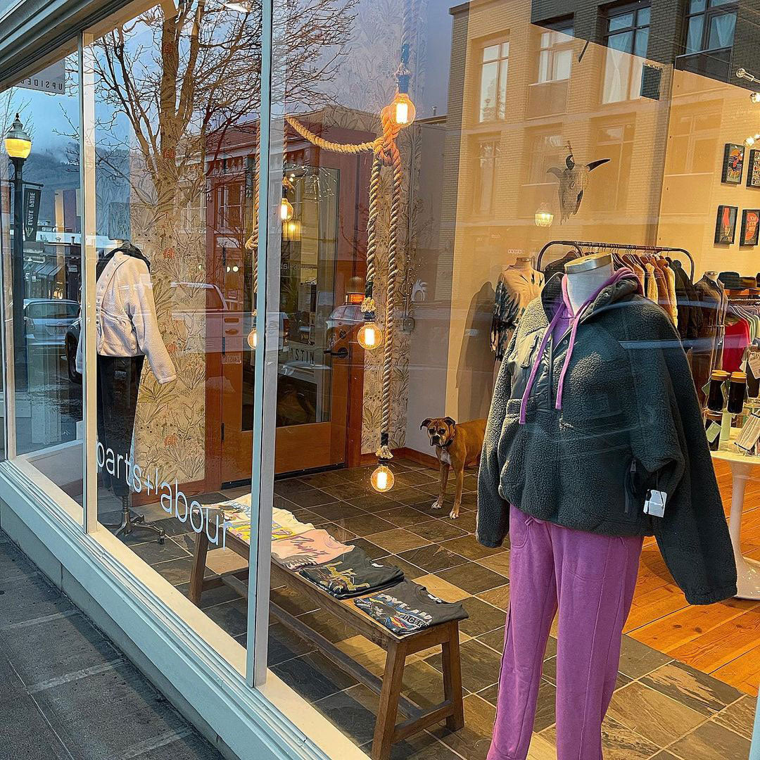 Parts-and-Labour-Womens-Clothing-Store-Hood-River-Oregon-Store-Window