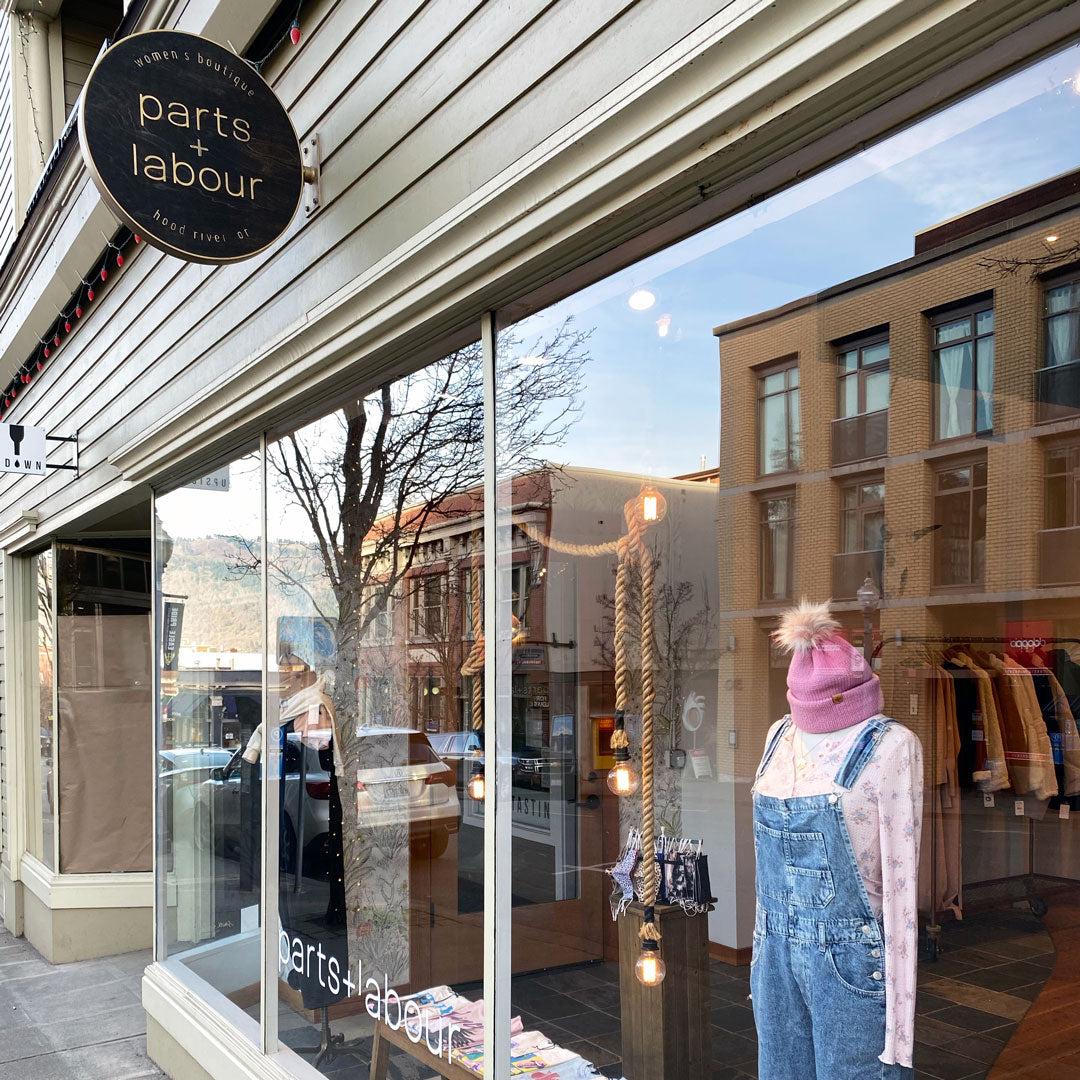 Parts-and-Labour-Womens-Clothing-Store-Hood-River-Oregon-Front-Building