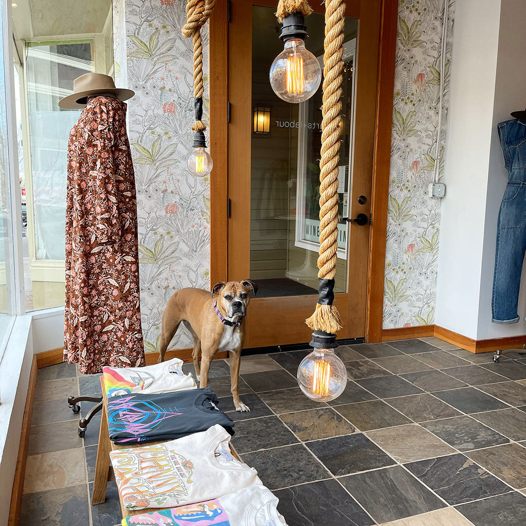 Parts-and-Labour-Womens-Clothing-Store-Hood-River-Oregon-Interior-4