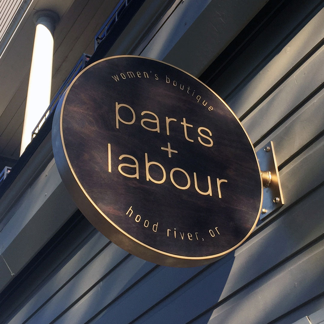 Parts-and-Labour-Womens-Clothing-Store-Hood-River-Oregon-Exterior-Sign