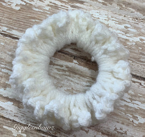 Crochet Scrunchy~ Soft white
