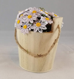 Wishing well bucket with Daisies