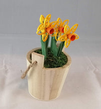 Load image into Gallery viewer, Wishing well bucket with Daffodils