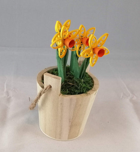 Wishing well bucket with Daffodils