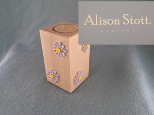 Wooden tealight holder daisy