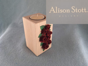 Wooden tealight holder (roses 1)