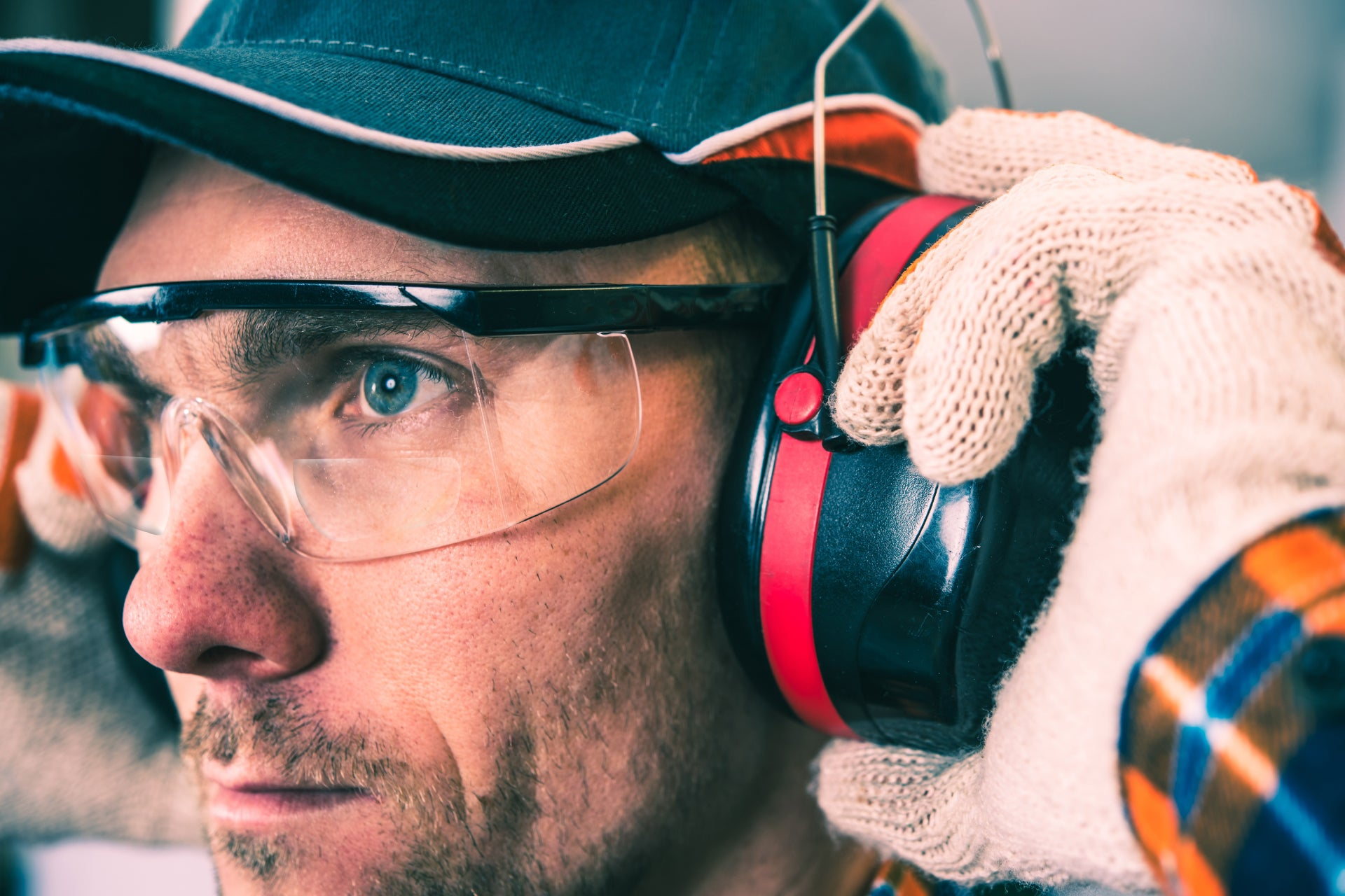 man at a construction site wearing a pair of bifocal safety glasses