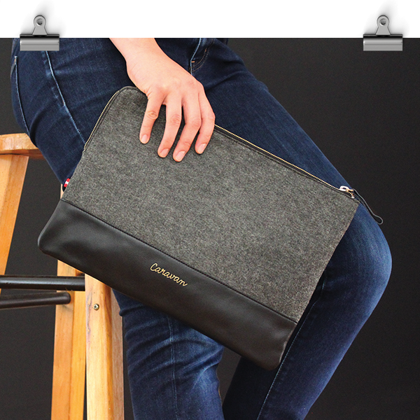 A4 Leather/Felt Clutch > Black