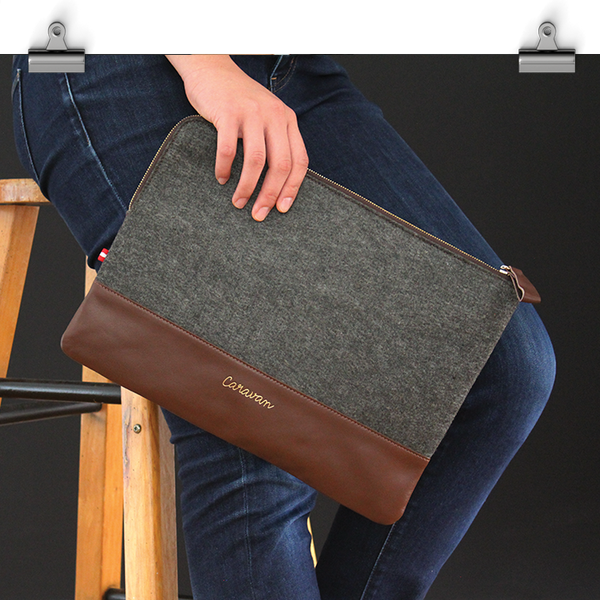 A4 Leather/Felt Clutch > Brown