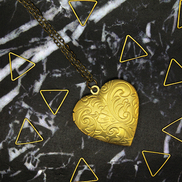 1507 Large Heart Locket Necklace