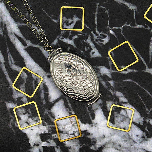 1521 Flower Folding locket Necklace