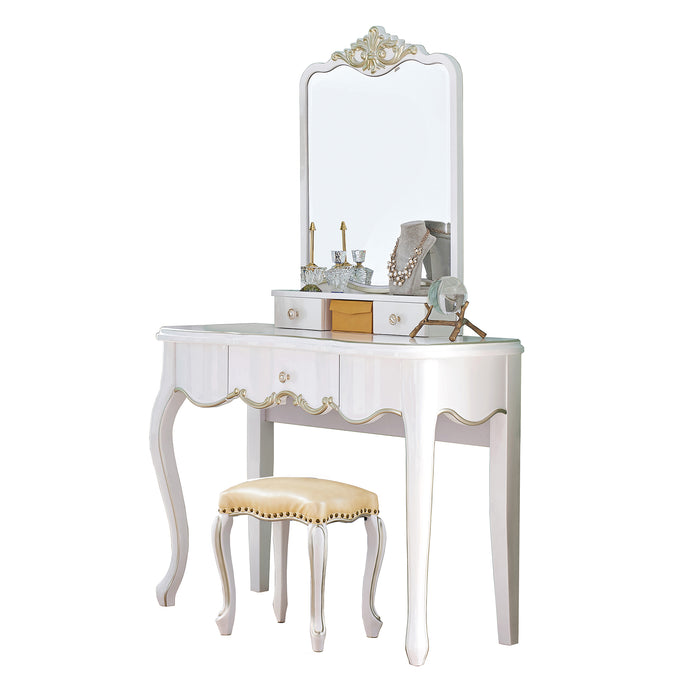 Stunning Dresser Table With Stool