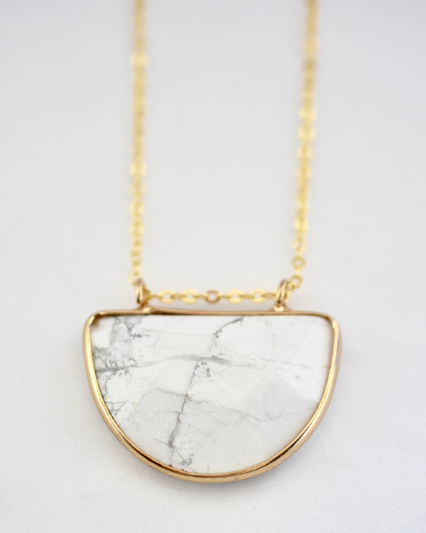 Olivia Necklace White Marble