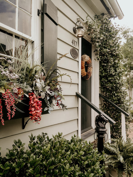 8 Easy Front Porch Christmas Decoration Ideas