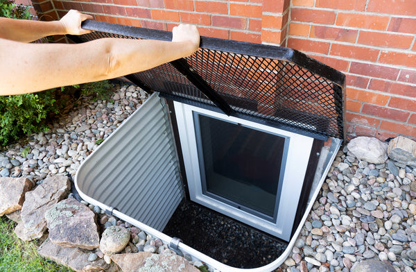 egress window well with steel grate
