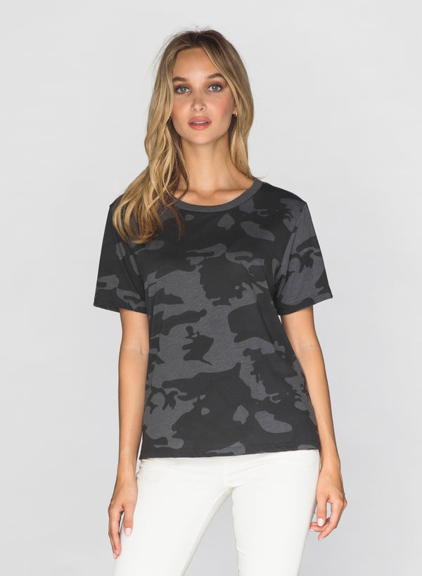 CHRLDR-BLACK CAMO - Wide T-Shirt
