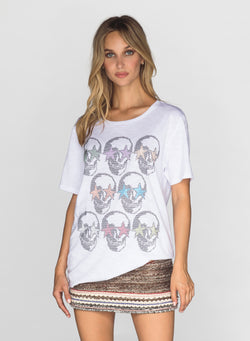 CHRLDR-RAINBOW STUDDED SKULLS - Wide T-Shirt