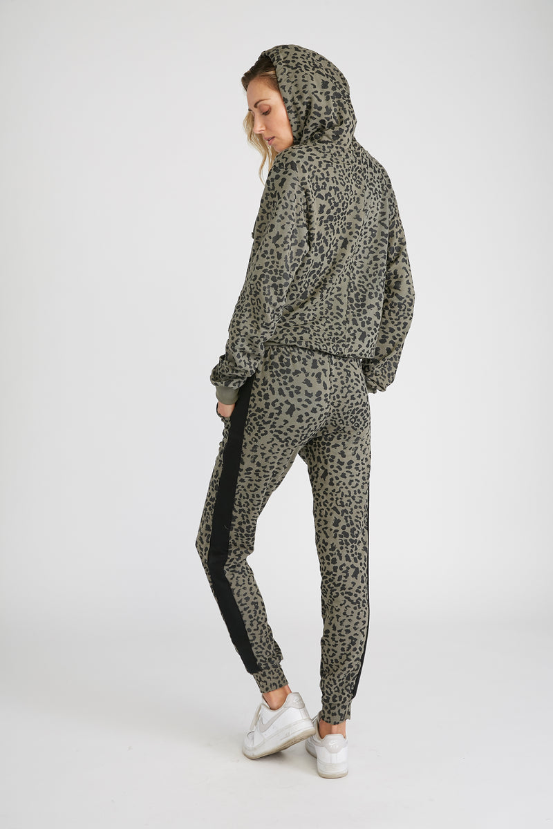 CHRLDR-LEOPARD — Flat Pocket Sweatpants