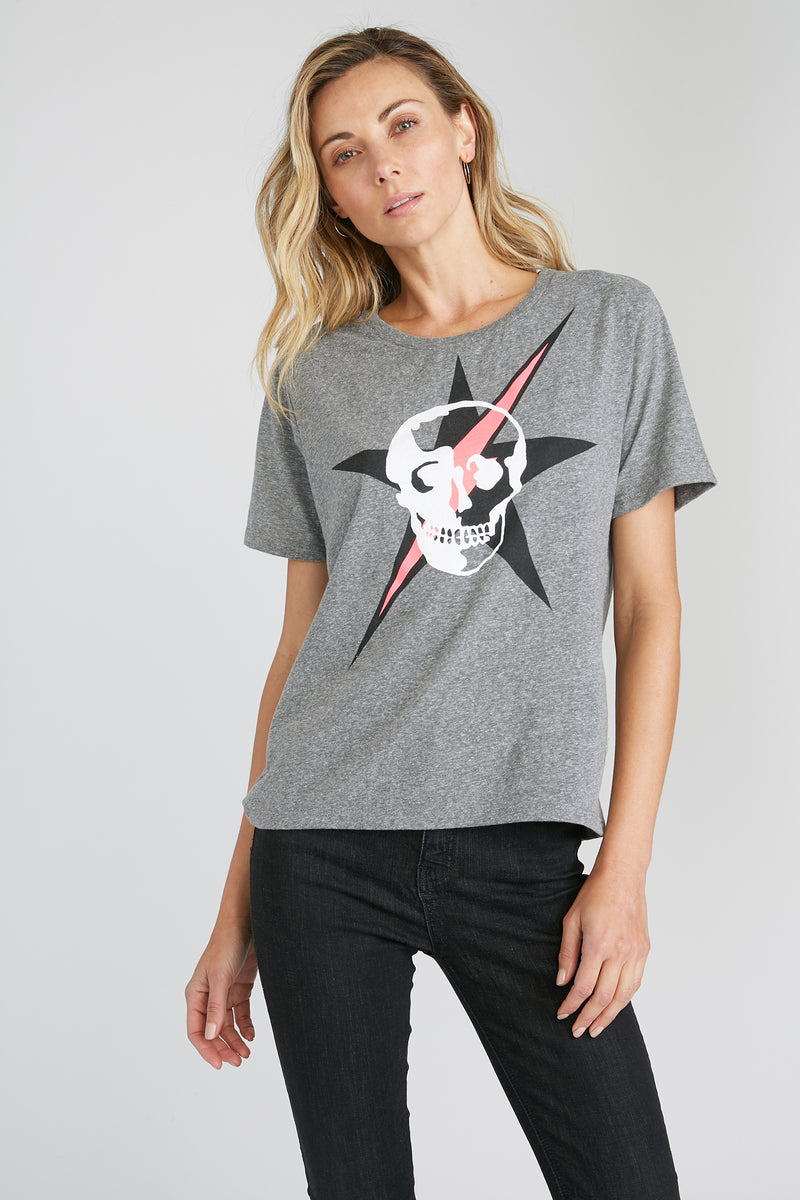 CHRLDR-LIGHTNING STAR SKULL — Wide T-Shirt