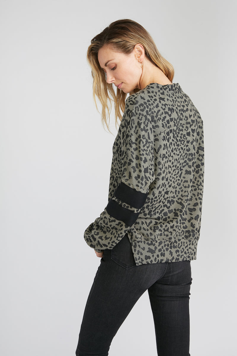 CHRLDR-LEOPARD — Dropped Shoulder Sweatshirt