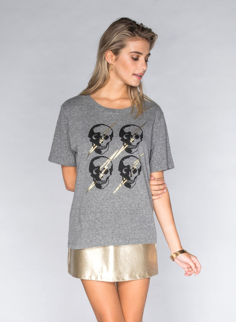 CHRLDR-LIGHTNING SKULLS - Wide T-Shirt