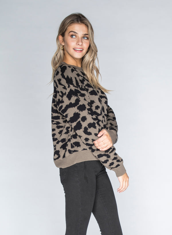 CHRLDR-LEOPARD - Dropped Shoulder Sweater