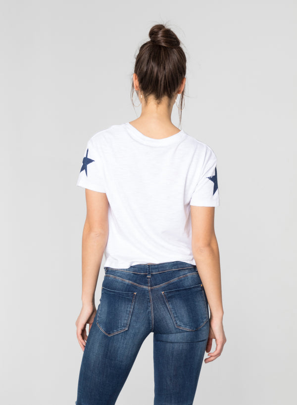 CHRLDR-SLEEVE STAR - Crop Knot T-Shirt