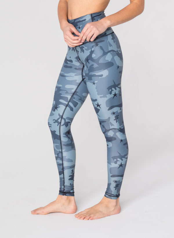 CHRLDR-STAR CAMO - High Waisted Leggings