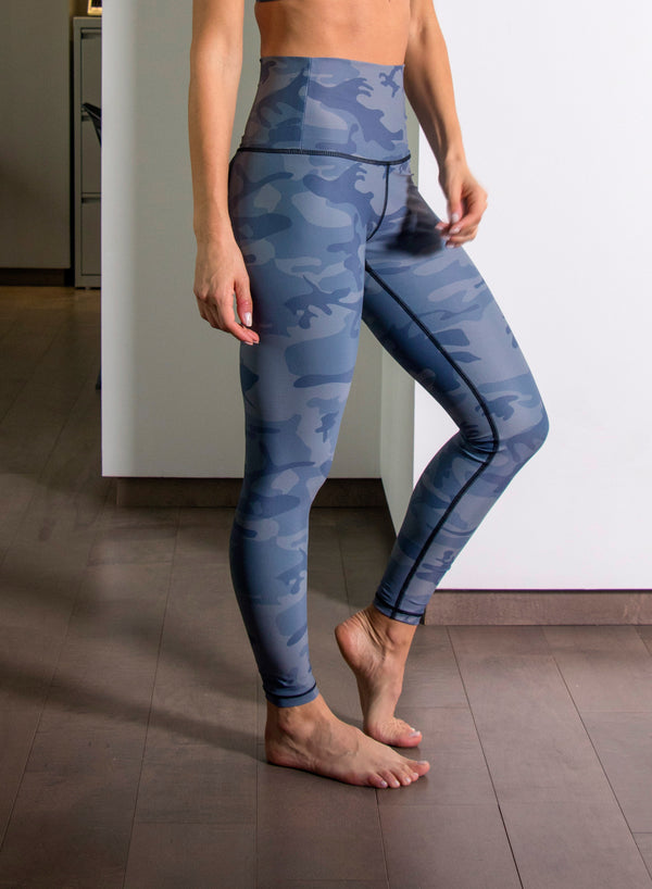VICTORY CAMO - High Waisted Leggings