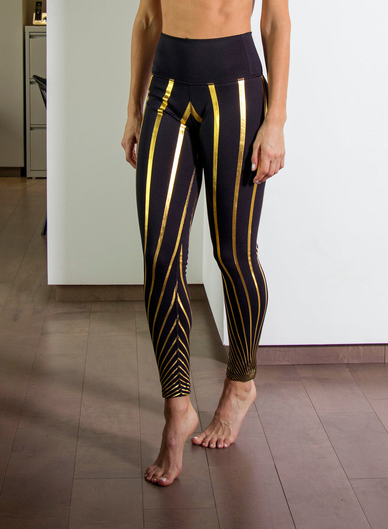 OPTICAL STRIPES - High Waisted Leggings