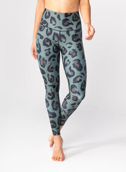 CHRLDR-Big Leopard - High Waisted Leggings