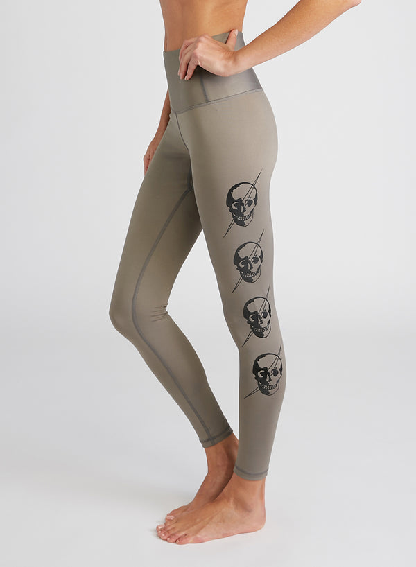 CHRLDR-LIGHTNING SKULLS — High Waisted Leggings