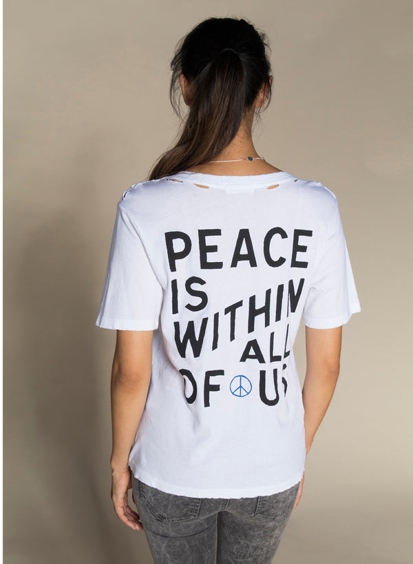 CHRLDR-PEACE — Wide T-Shirt