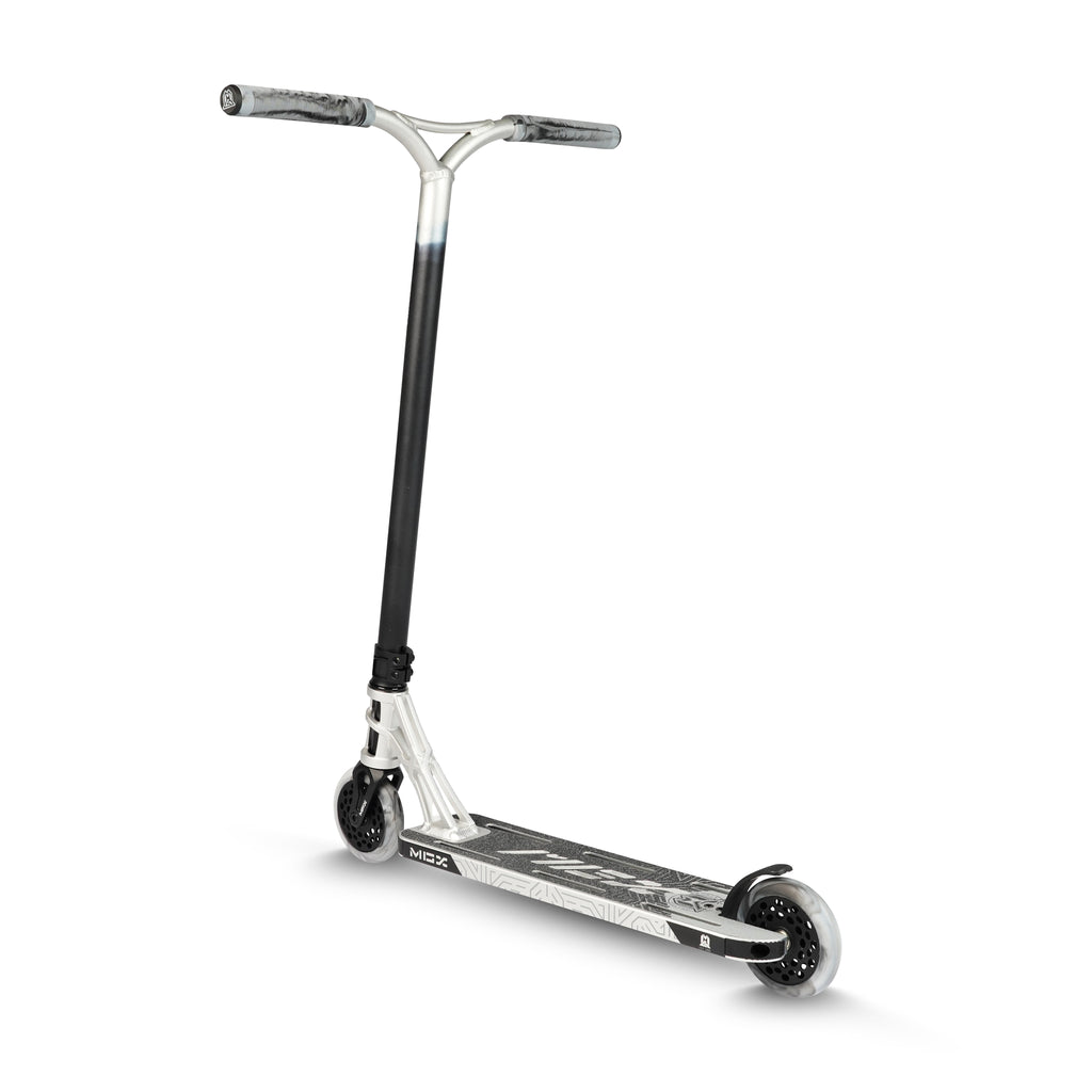 MGX E1 EXTREME SILVER / BLACK SCOOTER
