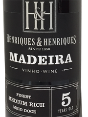 Henriques & Henriques Madeira Finest Medium Rich 5 Years, Dessertvin, Madeira, Portugal, Tinta Negra Mole, Bual, 19.0%