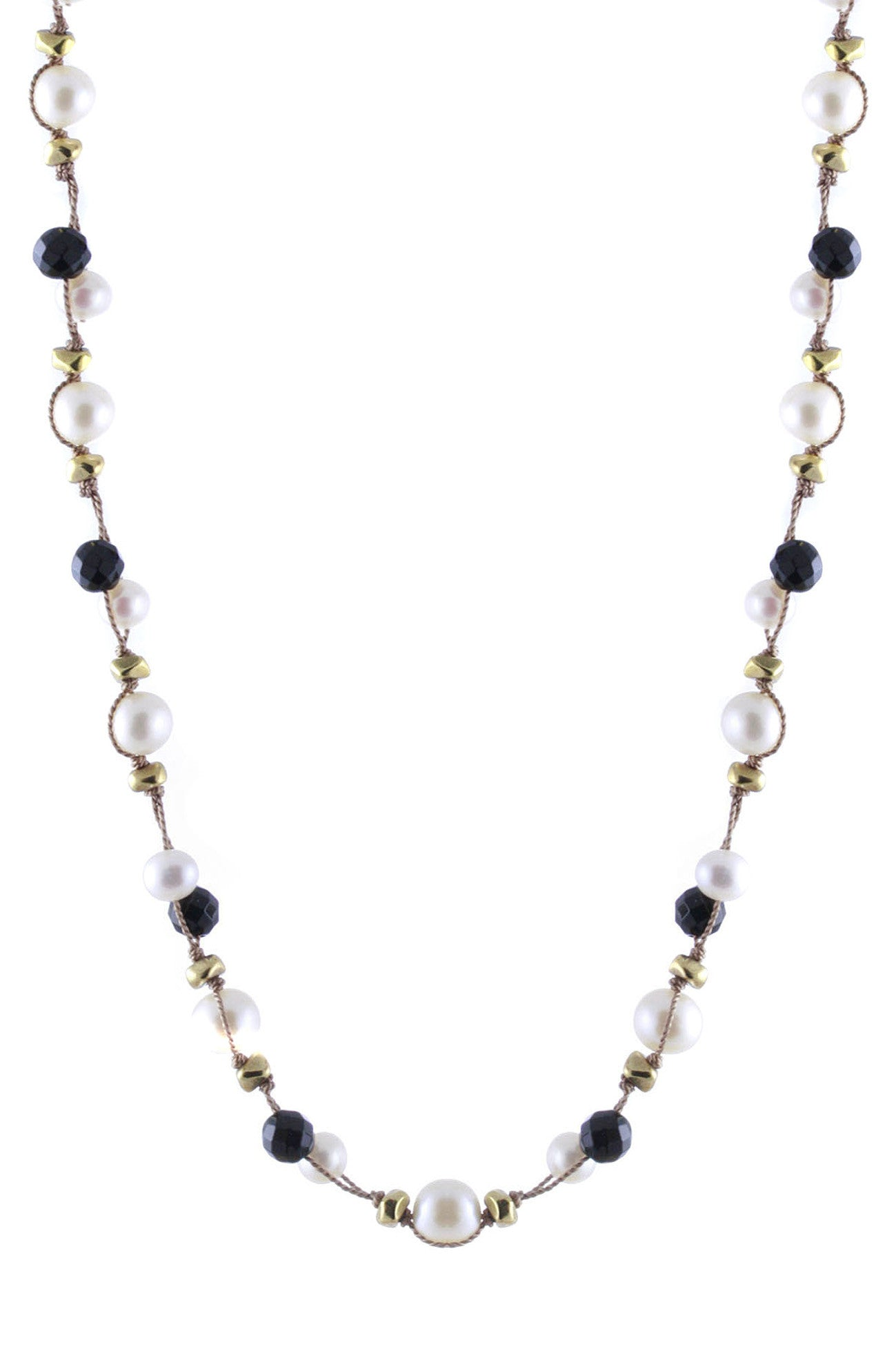 box the gold detail menta handmade necklace in product black with onyx