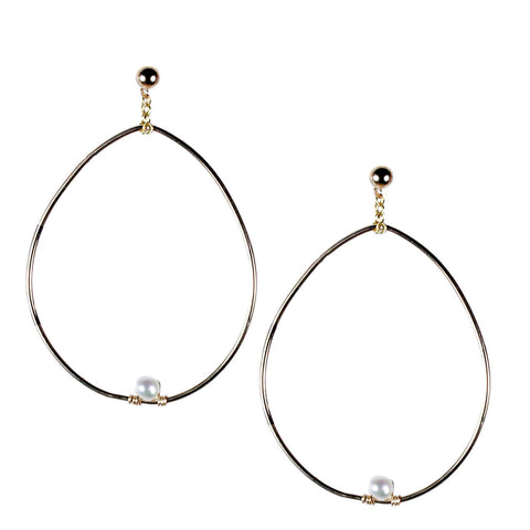 DANGLING GOLD WIRE HOOP WITH PEARL