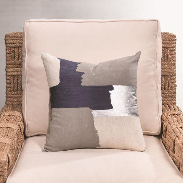 Doma Cotton Linen Throw Pillow - CARLYLE AVENUE
