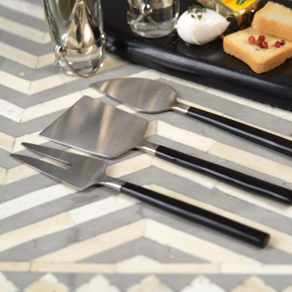 Maxfield Cheese Set - Matte Black & Silver