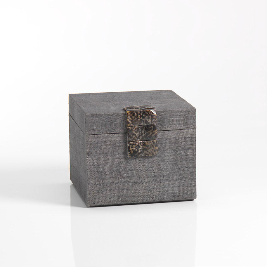 Silken Abaca Hinge Box with Magnetic Latch - Small - CARLYLE AVENUE - 2