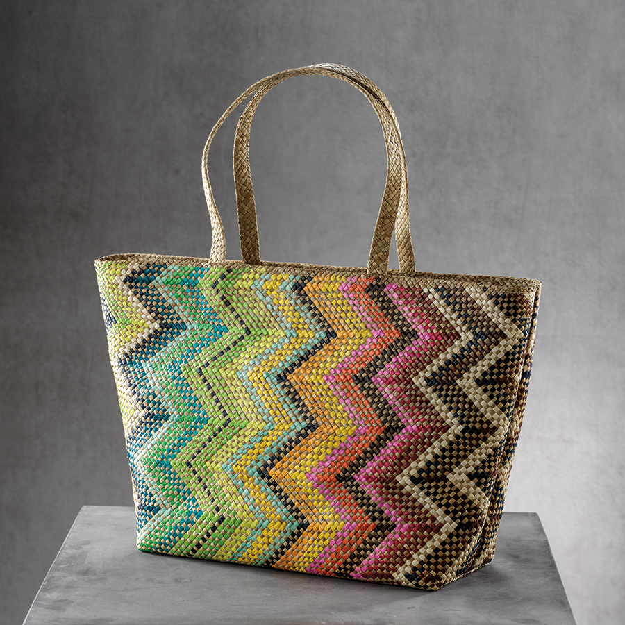 Mia Beach Tote w/Strap Handle - Multicolor Zigzag