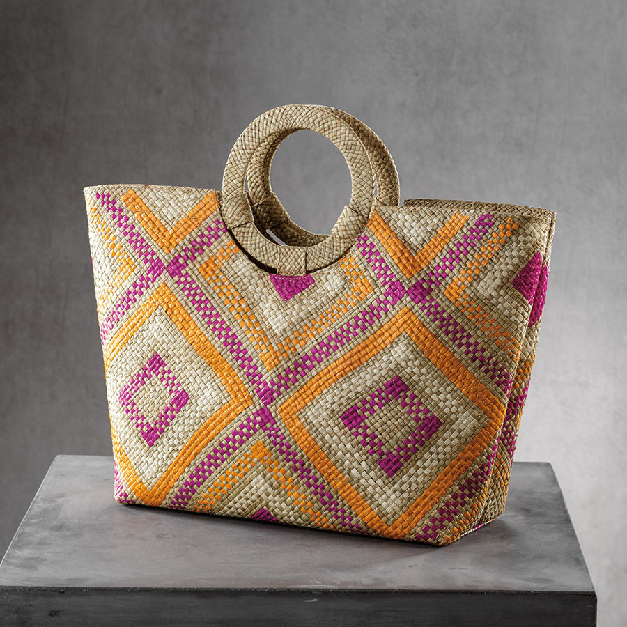 Mia Beach Tote w/Ring Handle - Diamond Pattern