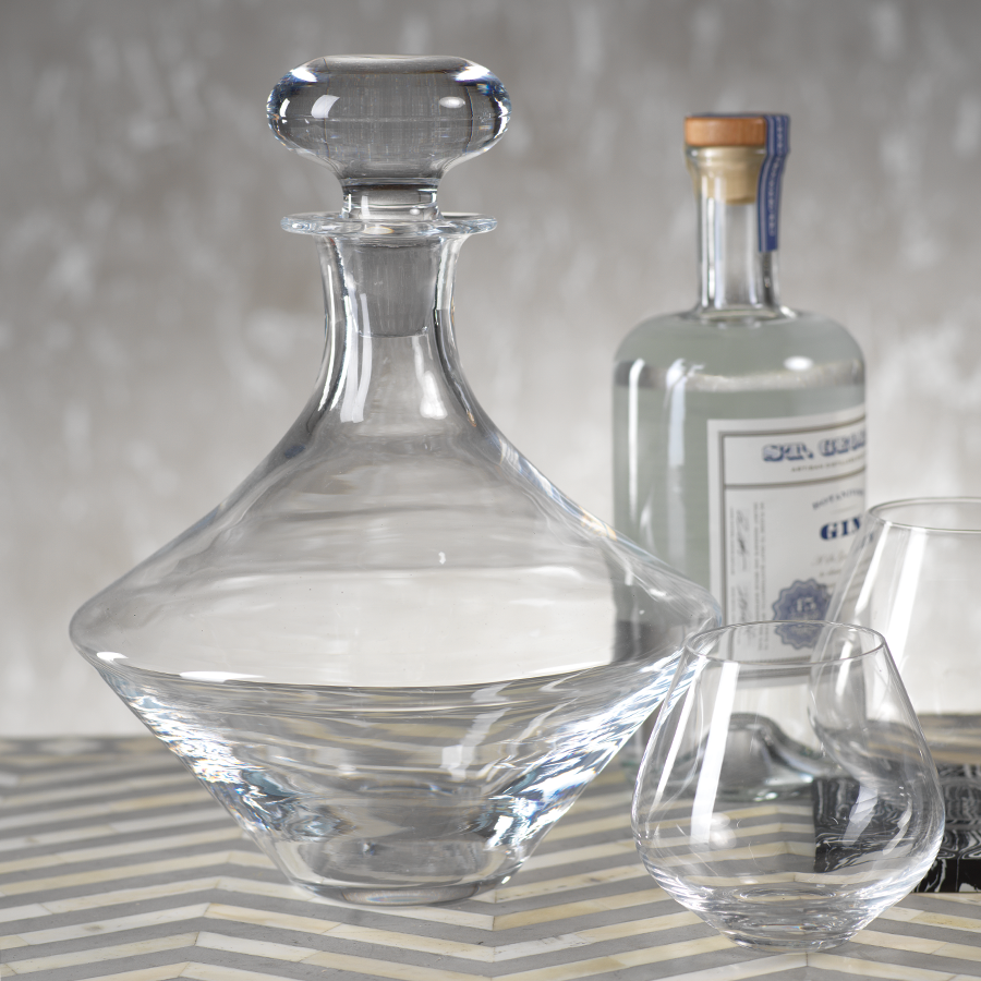 Vogue Decanter with Stopper
