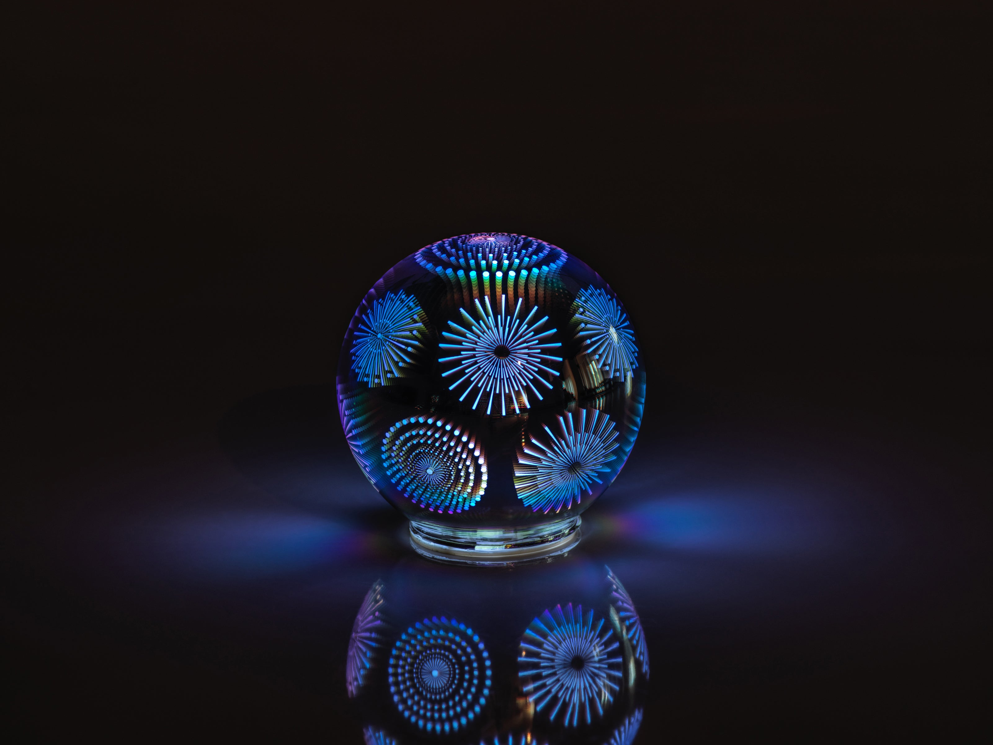 LED 3D Glass Balls - CARLYLE AVENUE