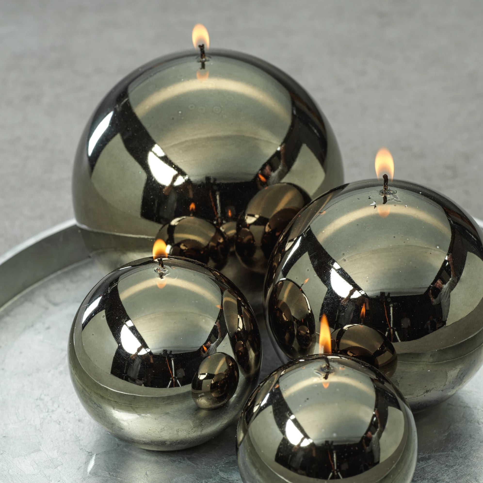 Shiny Metallic Ball Candle - Dark Green