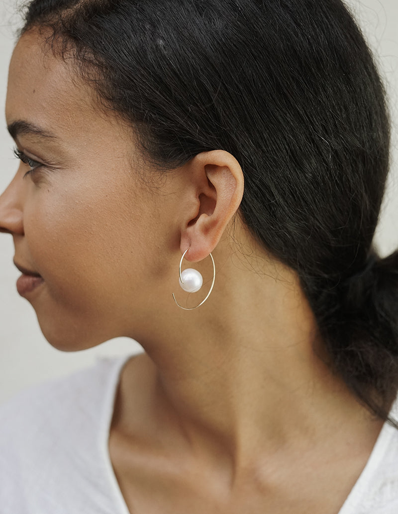 Nova Earrings - White