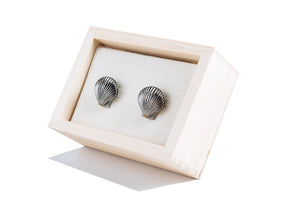 Antiqued Vineyard Scallop Cufflinks