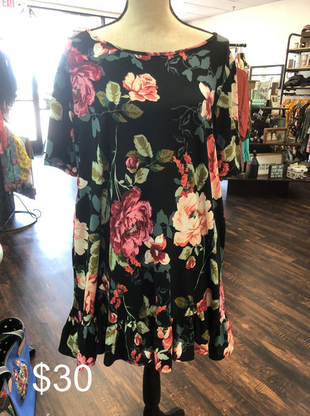 Ruffled Bottem Hem Floral Dress (Plus)