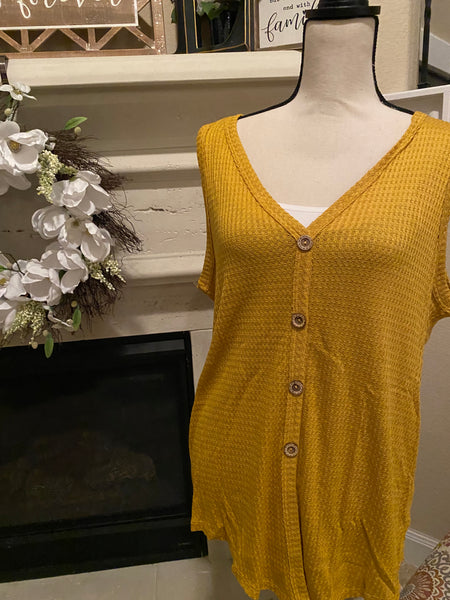 Medium Sleeveless Mustard Blouse w/ Button Detail