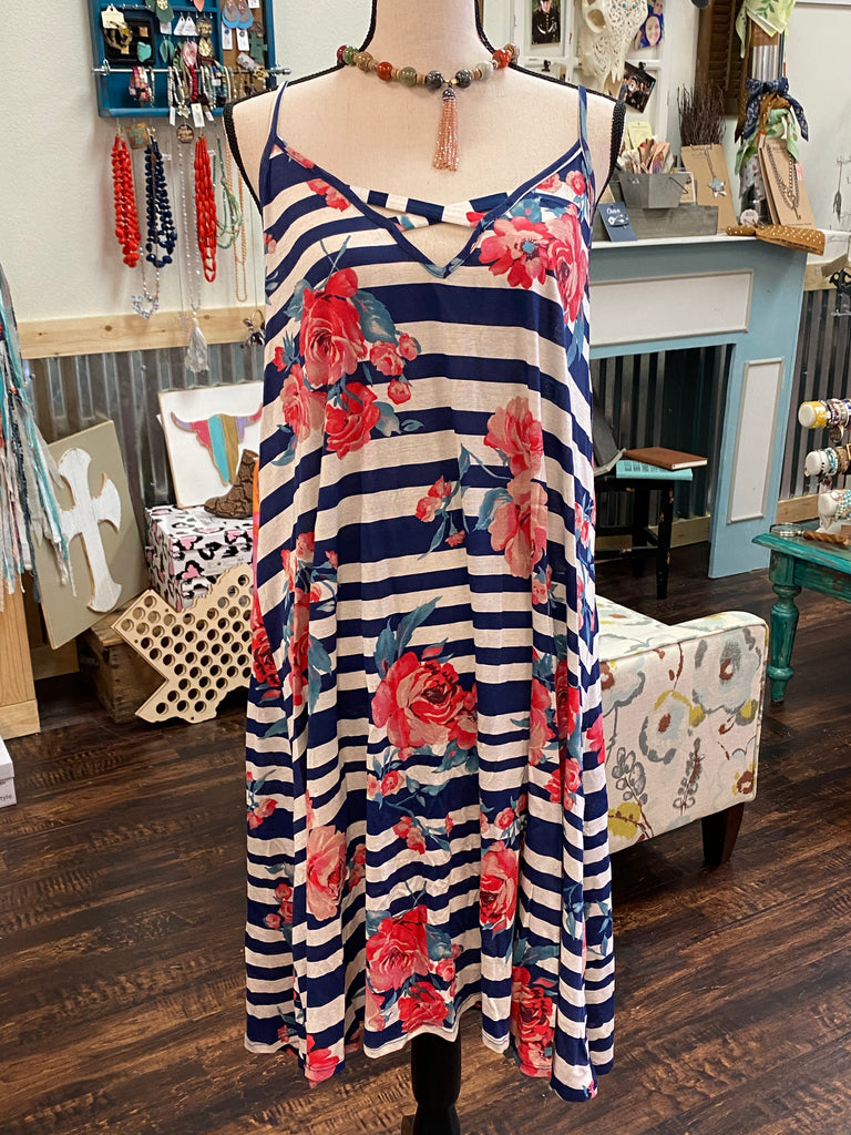 3XL Stripe & Floral Shift Dress w/ Strap Detail